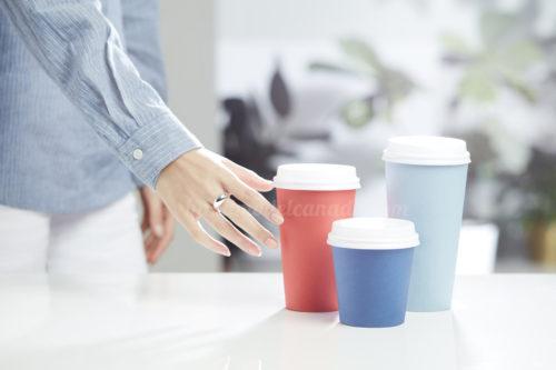 toronto-hand-model-canada-elizabeth-ai-quyen-hand-coffee-cup
